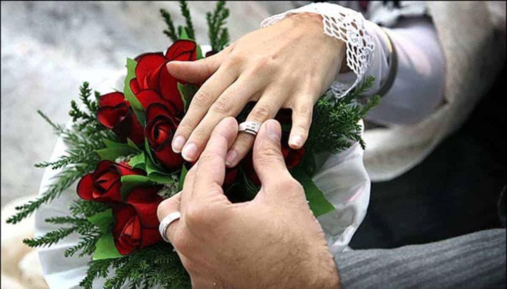 چرا برخی دختران ترجیح میدهند با مردان میانسال اما پولدار ازدواج کنند؟