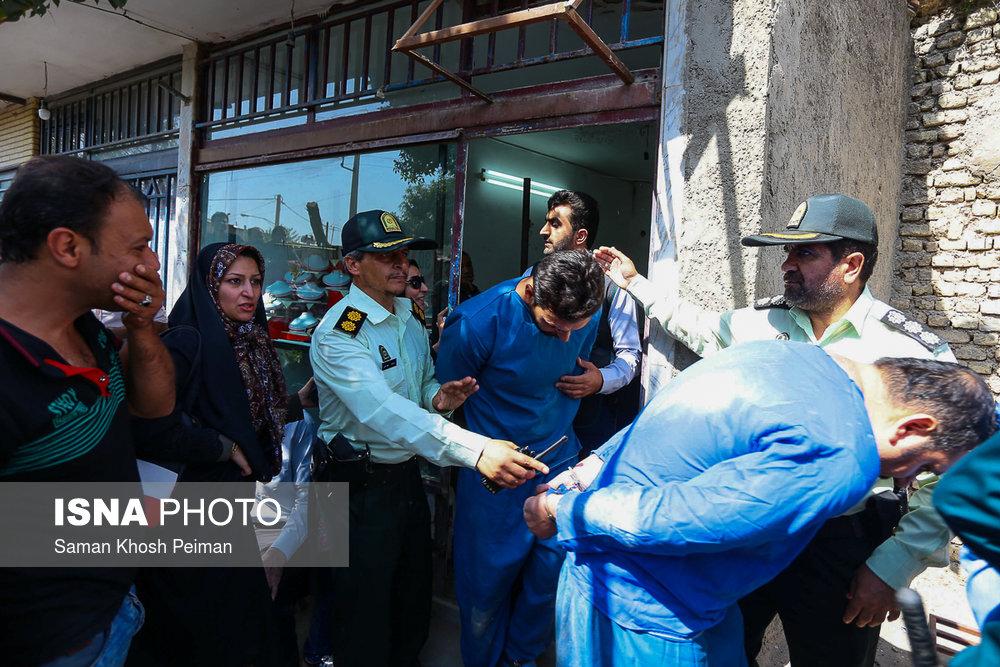 گزارش تصویری از بازسازی صحنه قتل دو طلافروش در اصفهان
