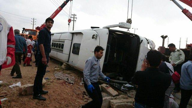 20 کشته و زخمی در پی واژگونی اتوبوس در مرودشت