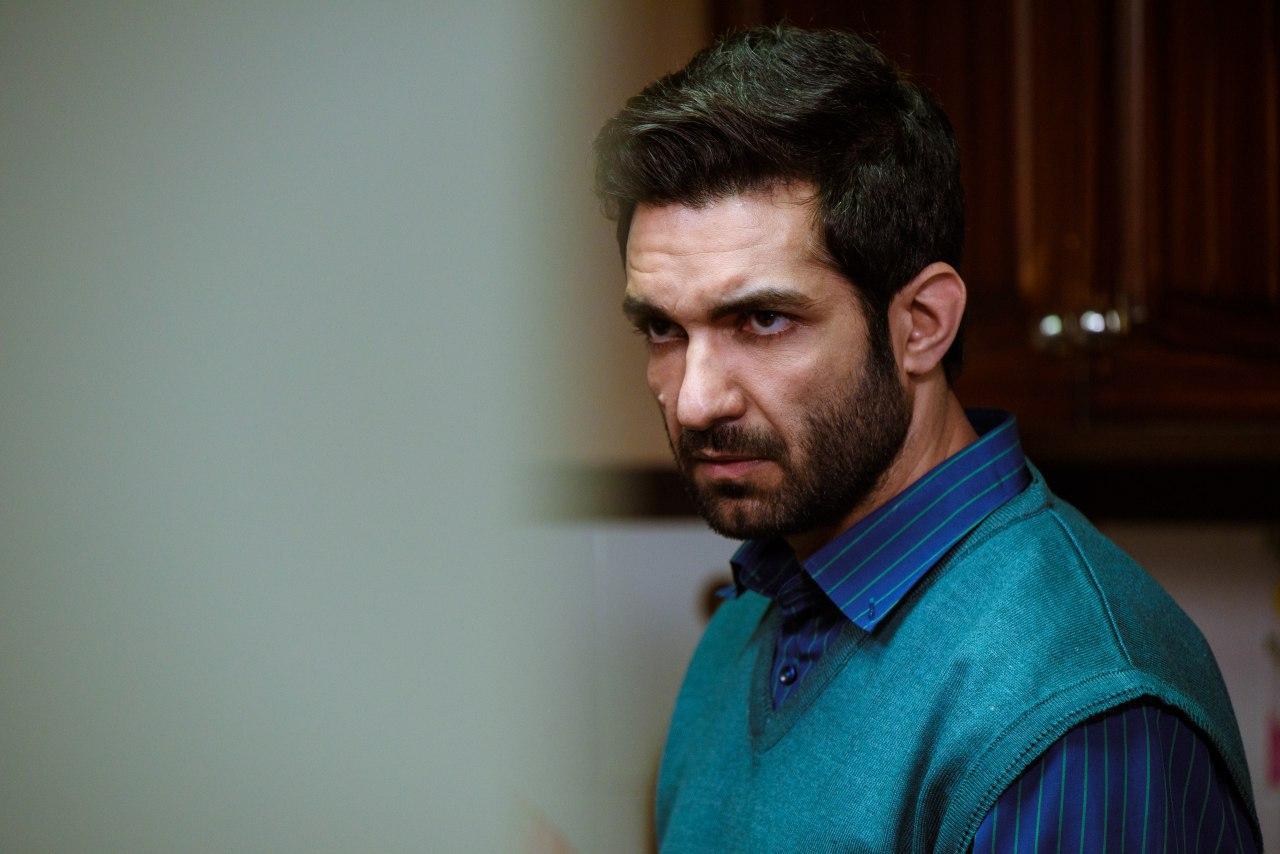 رضا اکبرپور بازیگر نقش سامان در سریال حوالی پاییز: منتظر غافلگیری باشید