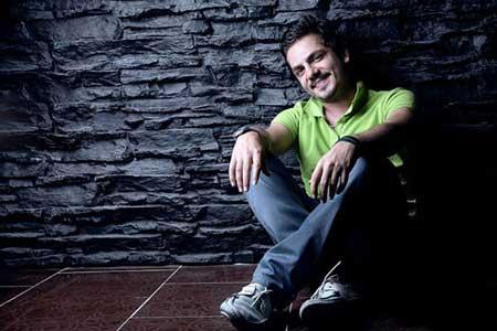 گفتوگو با عباس غزالی، بازیگر نقش رضا در سریال مینو: سریال مینو پر از اتفاق و ماجرا است