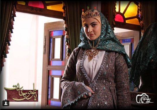 گفتوگو با مریم مومن، بازیگر نقش اصلی زن سریال بانوی عمارت: چگونه برای نقش فخرالزمان انتخاب شدم