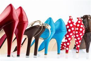 چطور کفشهای پاشنه بلند رنگی را ست کنیم