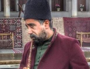رامتین خداپناهی توضیح داد: نقش میرزا اسد را در سریال بانوی عمارت چگونه بازی کردم؟