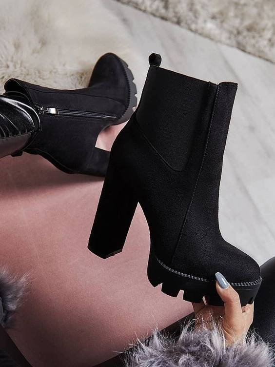 چطور کفش مناسب با تیپمان انتخاب کنیم