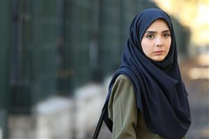 گفت و گو با المیرا دهقانی ،بازیگر سینما و تلویزیون : یاسمن در سریال لحظه گرگ و میش زنی قوی و صادق است
