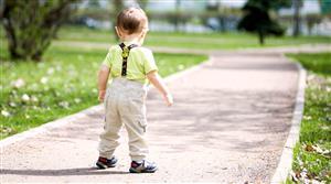 چرا بعضی بچهها دیر راه میافتند؟
