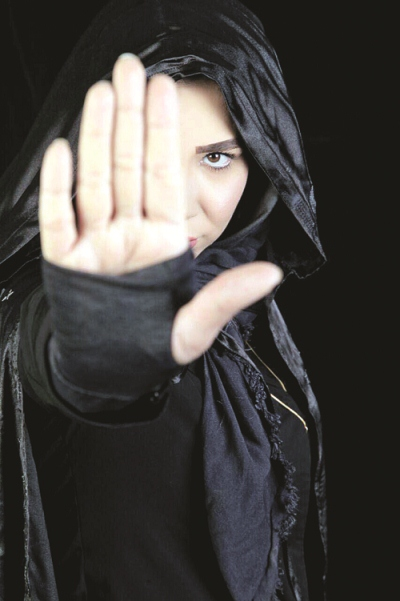 گفتوگو با سایه رحمتی، تنها شعبدهباز زن ایران: گفتند به عصر جدید نیا