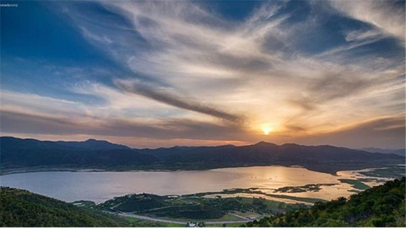 چرا و چگونه به دریاچه زیوار سفر کنیم؟+ آدرس و راههای دسترسی