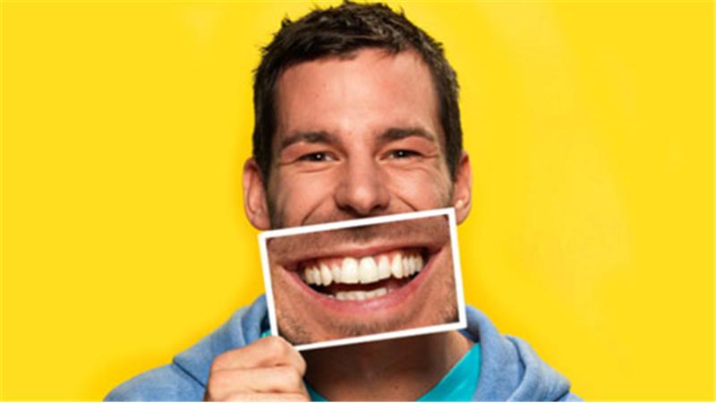 هورمونهای خوشبختی در بدن با ۱۵ دقیقه خندیدن در روز آزاد میشود