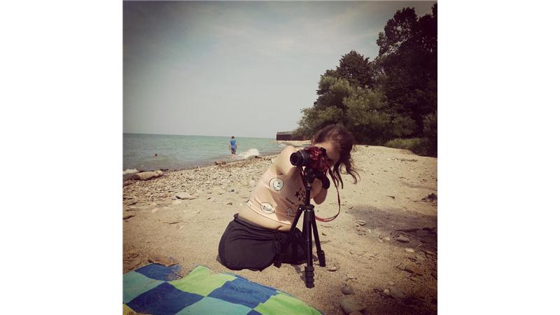 گزارش تصویری از زندگی دختر خارقالعادهای که دست و پا ندارد