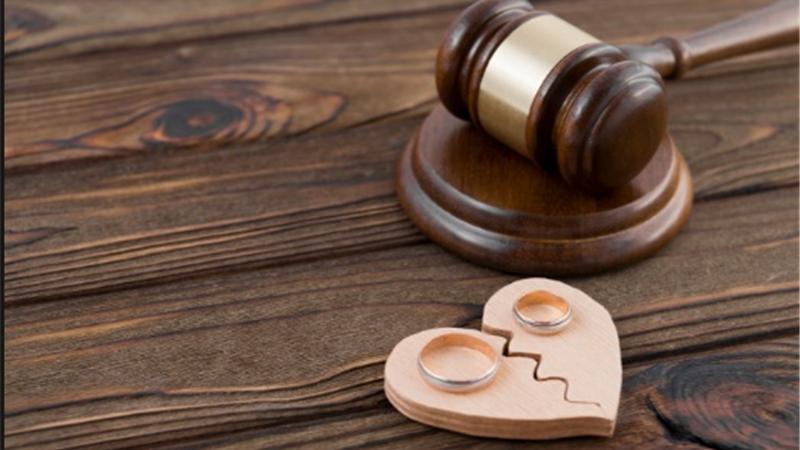 چه کار کنیم که فرزندان طلاق کمتر آسیب ببینند