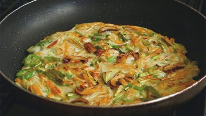 آشپزی/ دستور پخت پنکیک سبزیجات بهعنوان غذایی با طعم متفاوت
