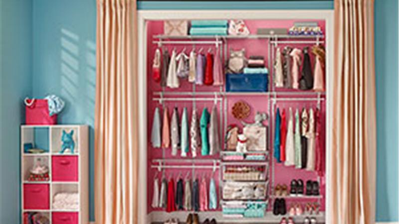 راهنمای کامل  ست کردن لباس مجلسی مشکی برای خانمها