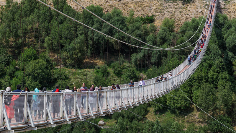 راهنمای کامل سفر به مشگین شهر و ویژگیهای پل معلق شیشهای