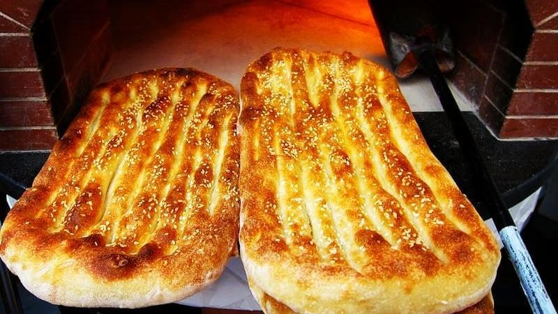 نان سنتی مفیدتر است یا نان فانتزی
