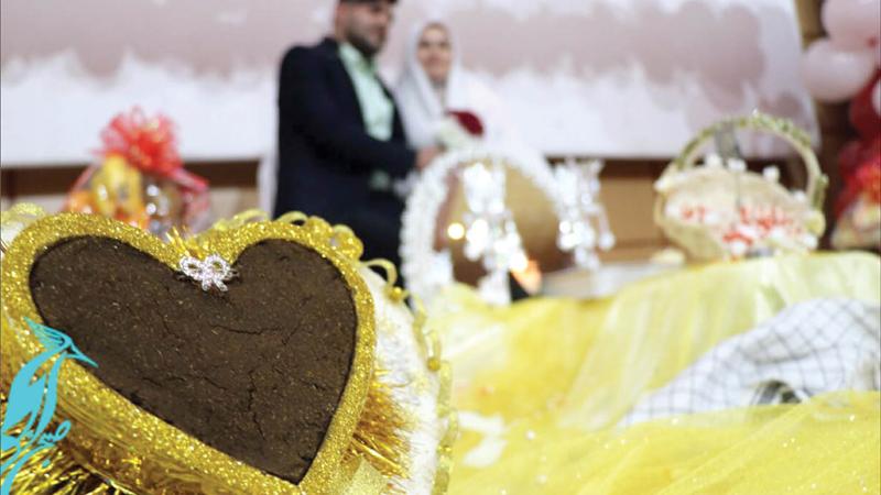 آیا با دختر یا پسری که همسن خودمان است ازدواج کنیم یا نه