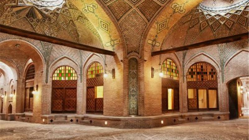 هر آنچه درباره سرای سعدالسطنه قزوین و تاریخچه و معماری آن باید بدانید