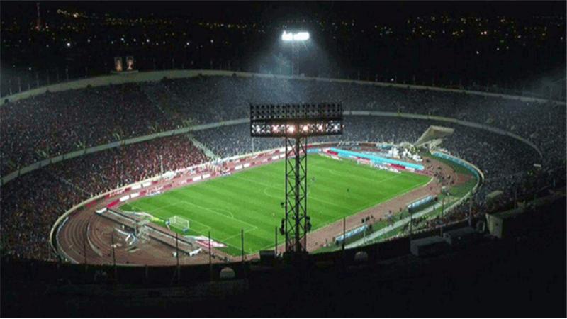 مرگ تلخ پسربچه 8 ساله در استادیوم آزادی