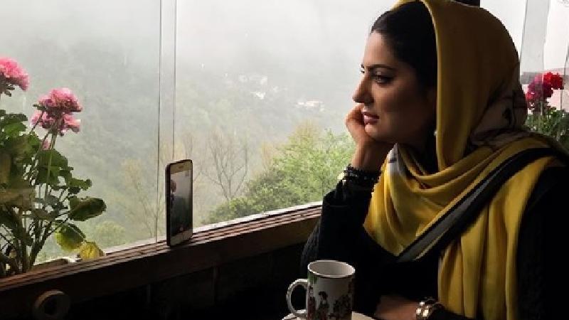عکس و دلنوشته شاعرانه هلیا امامی