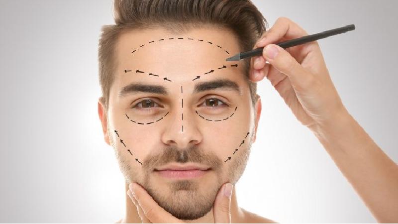سن مناسب برای جراحی زیبایی چند سالگی است