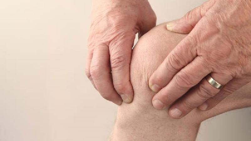 علایم نقرس چیست + راه پیشگیری و درمان با طب سنتی