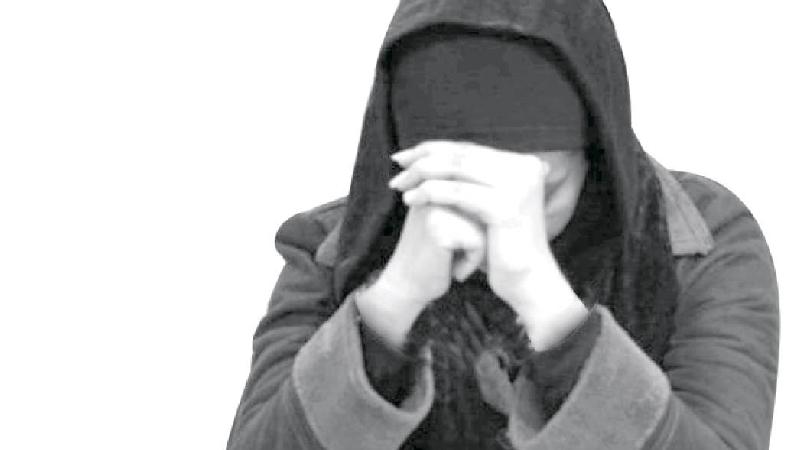 زن سیاه بخت در چنگ مرد سنگدل