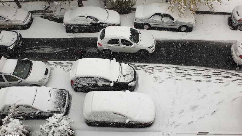 گزارش تصویری از برف پاییزی در تهران