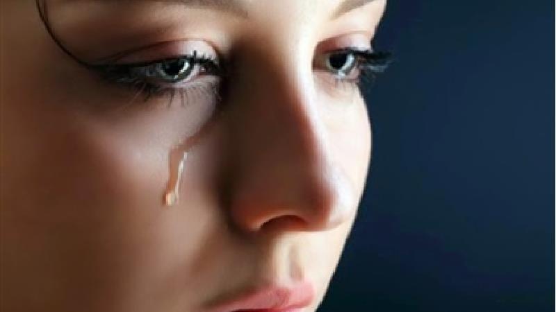 8 دلیل که باعث میشود زنان زیاد گریه کنند