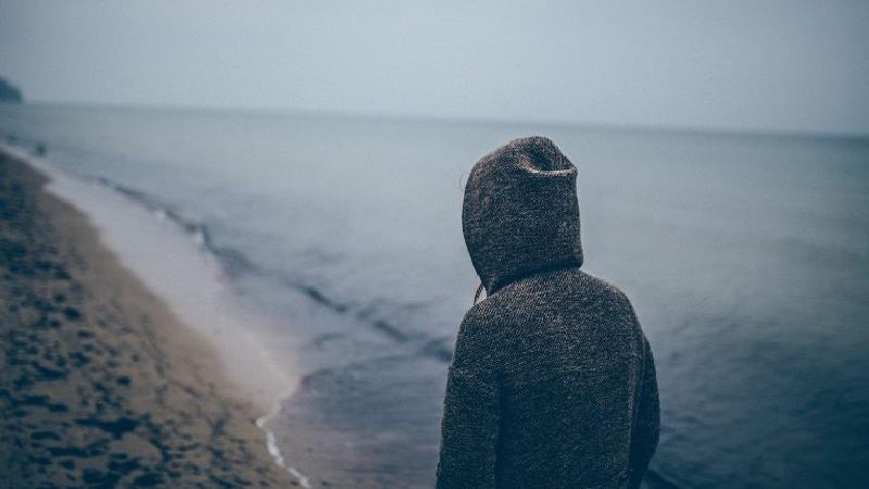 چه کار کنیم که اینقدر ناراحت و غمگین نباشیم