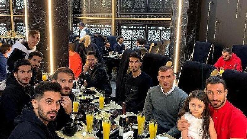 بازیکنان پرسپولیس در رستوران لاکچری