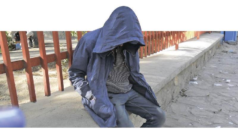 مرد معتاد دخترش را در ازای مواد مخدر فروخت