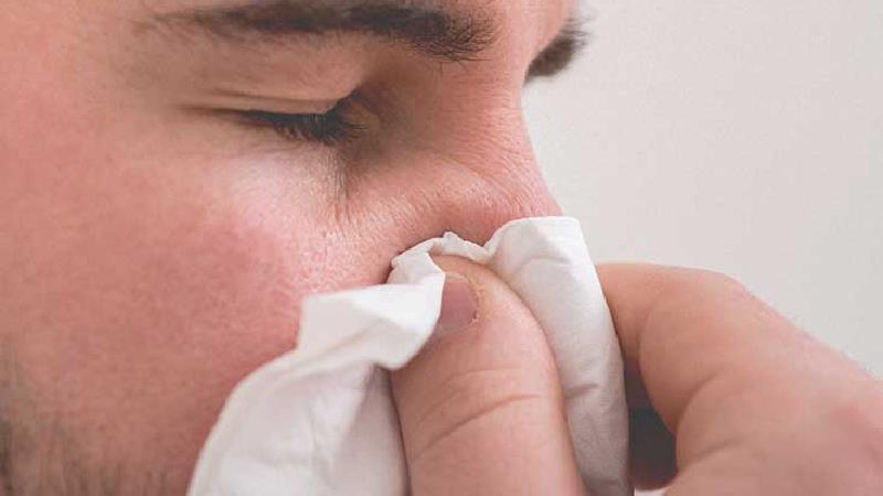 پولیپ بینی؛ علتها، عوارض و راههای درمان از روشهای خانگی تا جراحی