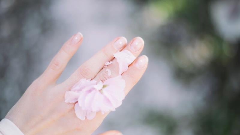 18 فرمول برای زیبایی بدون لوازم آرایش و آرایش کردن