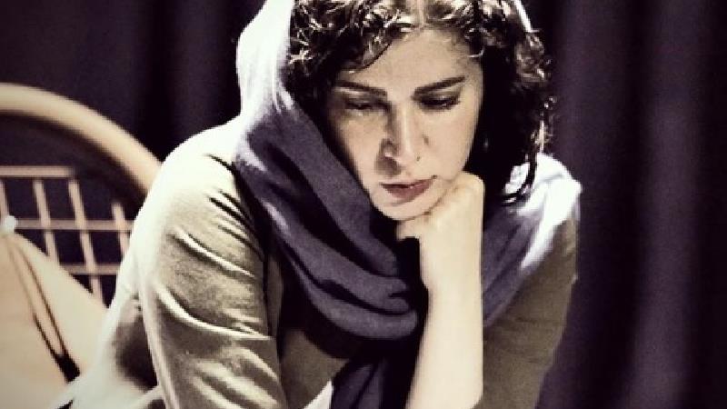 بیوگرافی و کارنامه هنری نازنین احمدی، برنده سیمرغ بهترین بازیگر زن از جشنواره فجر 98