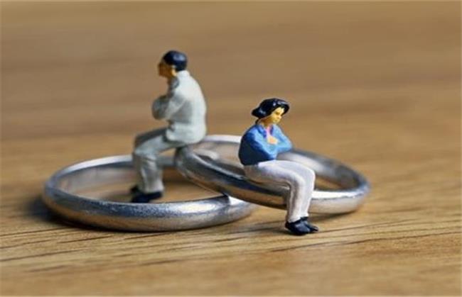 طلاق به خاطر چشم و هم چشمیهای عروس خانم