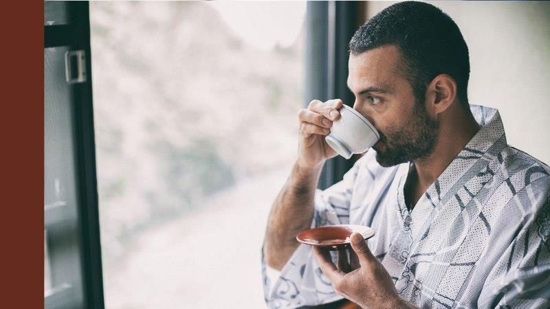 خاصیتهای نوشیدن انواع چای؛ از چای سبز و سیاه تا ماسالا و لاته