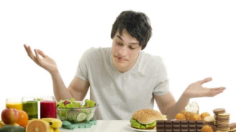 خام گیاهخواری چه فایدهها و عوارضی دارد؛ از لاغری تا ضعف استخوانها