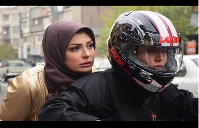 عکسی از موتورسواری سحر قریشی در زنها فرشتهاند 2