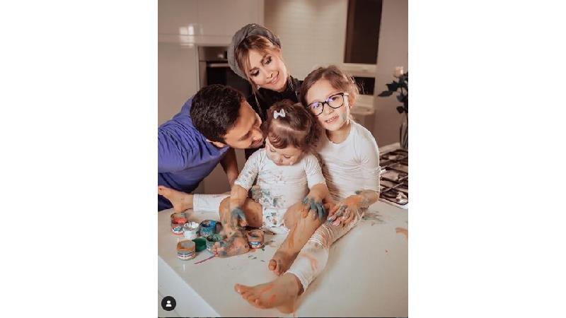 شاهرخ استخری؛ سلبریتی خوشبخت با زندگی خانوادگی موفق