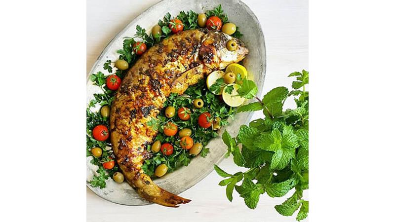 ایدههایی جذاب  برای تزیین سبزی پلو ماهی شب عید