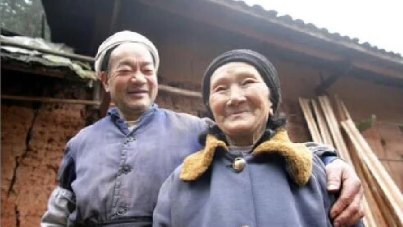 عشق افسانهای زوجی که در غار زندگی کردند