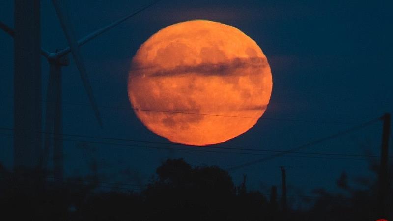 پدیده ابر ماه چیست و چه روز و ساعتی اتفاق میافتد