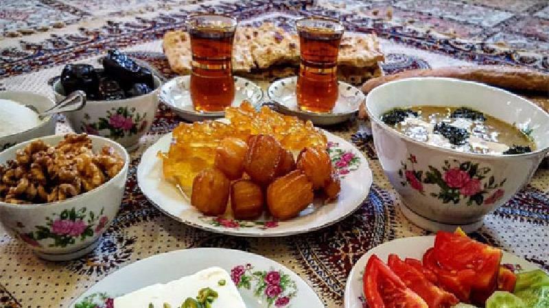 در ماه رمضان غیر از افطار شام بخوریم یا نه