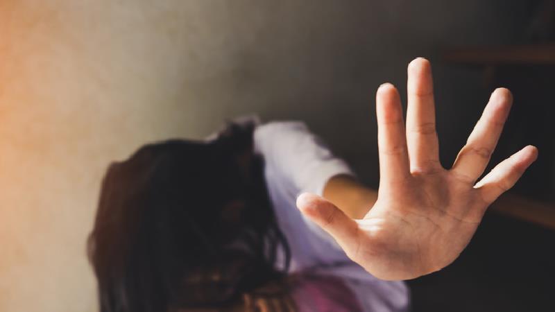 تجاوز به زنان با هویت جعلی اینترنتی