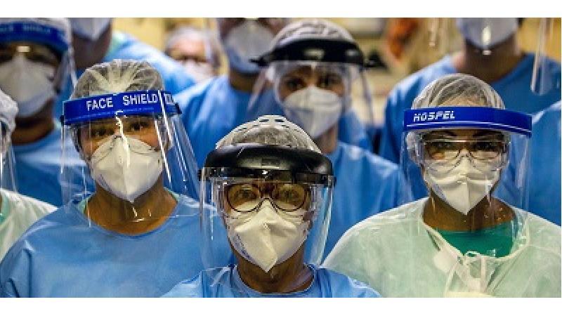 ماسک بهتر است یا تلق محافظ صورت