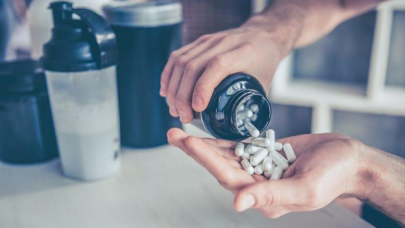 گلوتامین چیست و مکملهای آن چه فایدهها و ضررهایی دارد