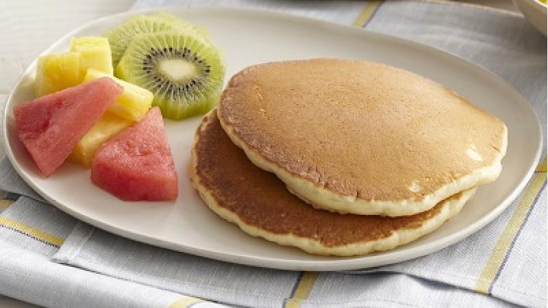 طرز تهیه کامل پنکیک ساده برای صبحانه یا عصرانه