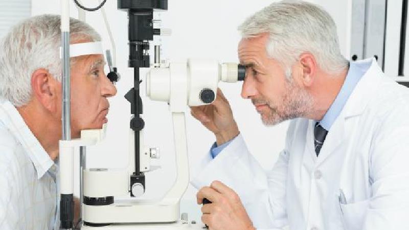 علتها و علائم گلوکوم چیست + راههای درمان و پیشگیری