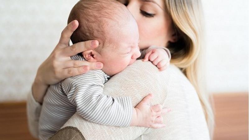 چگونه شیر مادر مقوی و زیاد میشود؛ چی بخوریم